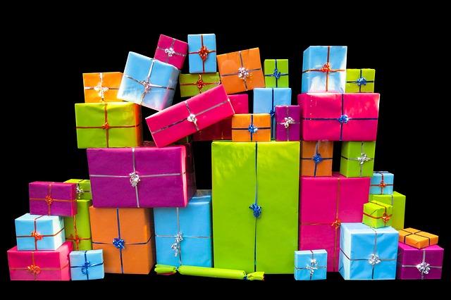 hromada dárků